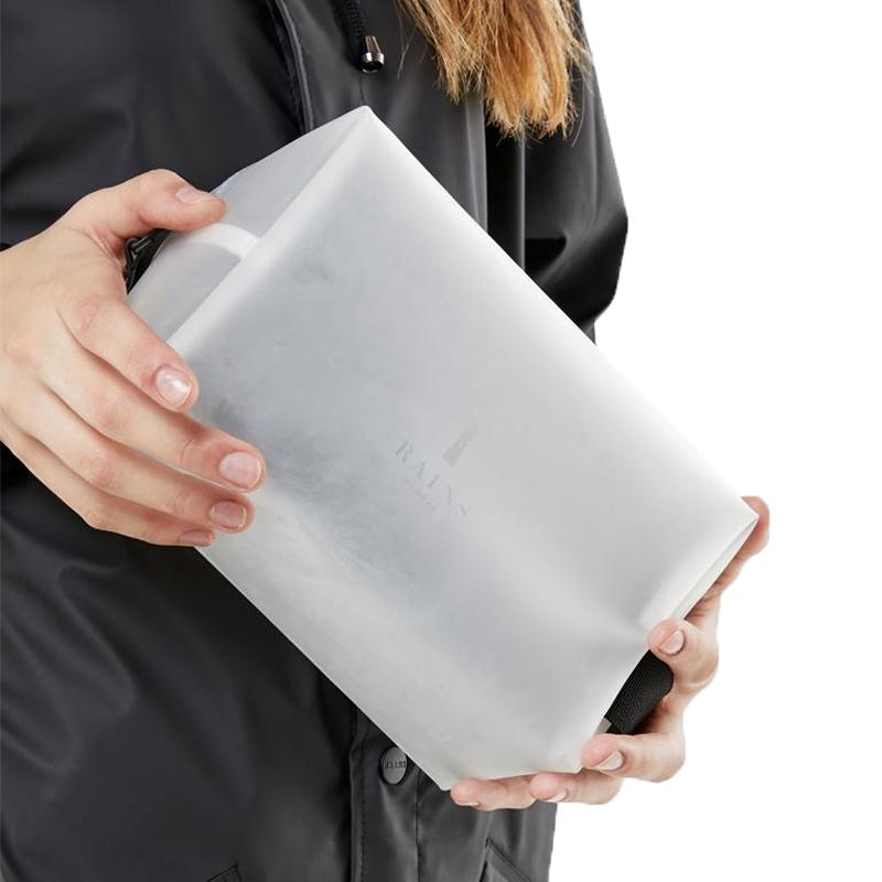RAINS Wash Bag Small Foggy White-166047