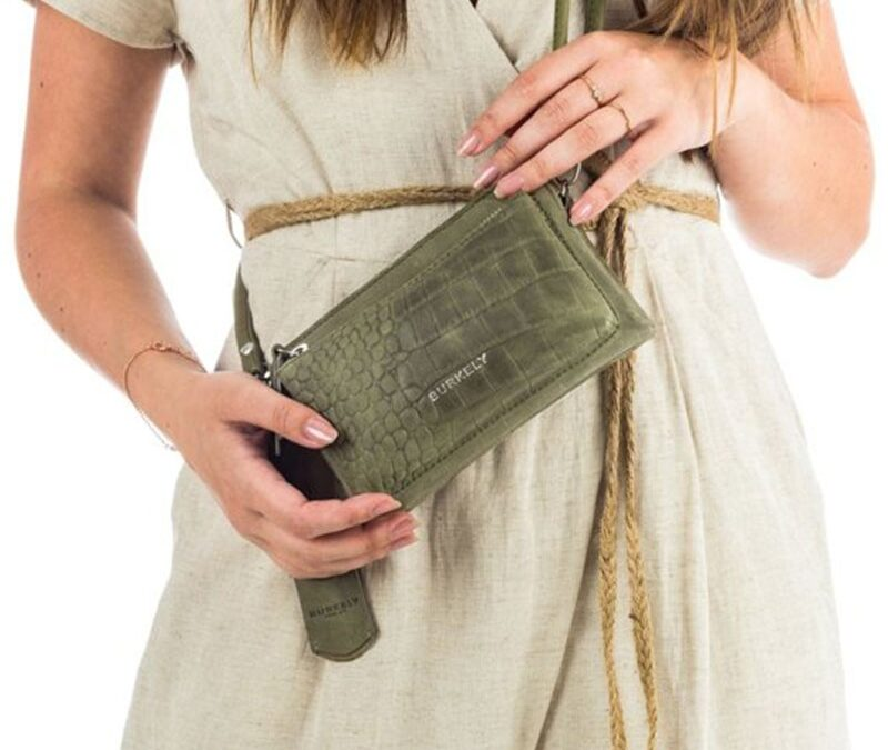 Shinen doe je met de mooiste kleine groene tassen van THEBAGSTORE