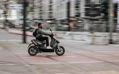 Daarom draag je een rugzak op de scooter